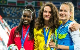 Nápoles 2019: Evelise Veiga passou de prata a ouro no triplo salto